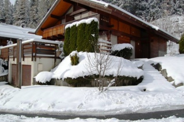 Chalet Chalet Chantey Mourry