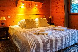 Hideaway_1_panda_bedroom2.jpg