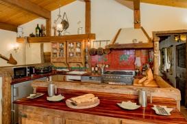 Valerio-kitchen breakfast bar_PCC1835 (1).jpg