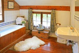 bathroom---120k.jpg