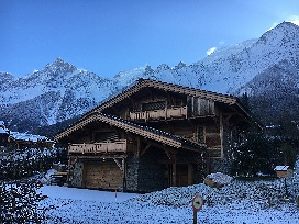 chalet in snow 3000 2000.jpg