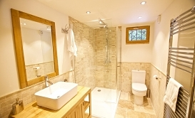 68_bathroom_7_full_room_vm6gya.jpg