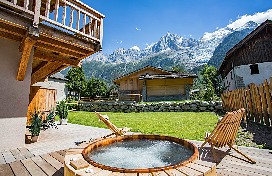 Red cedar jacuzzi with Mt Blanc views