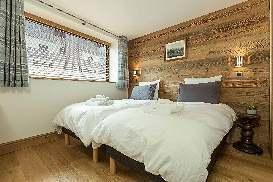 grandmulets-apartment-leshouches-14.jpg