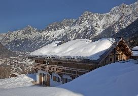 1. Chalet Amano - Winter exterior.JPG