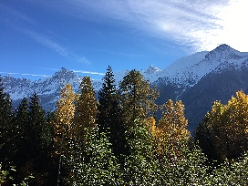 Chalet Ceraria - Sunny View of Snow Mountaintop