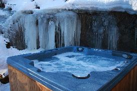 Chalet Ceraria - Hottub in Winter