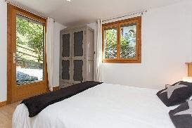 12 - Double Room 5b.jpg