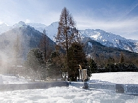 Chalet La Moraine - view from hot tub across to mountains.jpg