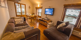 OLD-LIBRARY-SKI-APARTMENT-ARGENTIERE-CHAMONIX-1.jpg