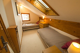 OLD-LIBRARY-SKI-APARTMENT-ARGENTIERE-CHAMONIX-9.jpg