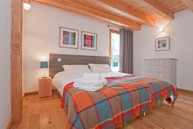 bedroom-3a.jpg
