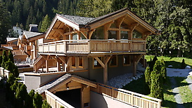Summer view of chalet Granit