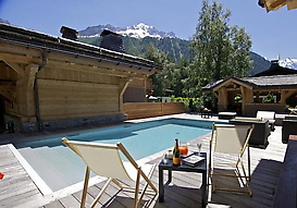 Chalet Cristal and the pool with a view