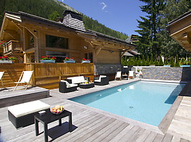 Chalet Terre by the pool