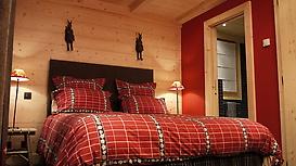 Chalet Ardoise standard double bedroom en suite