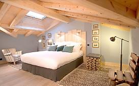 Chalet Granit master bedroom