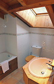 Capucin bathroom2 edited1.jpg