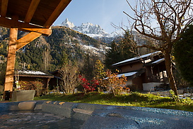 Chalet-Minouche-Ski-Chalet-in-Chamonix-6.jpg