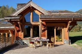ext terrasse chalet bonheur booking.jpg