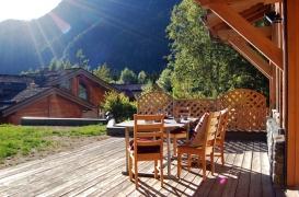 terrasse-ch-bonheur booking.jpg
