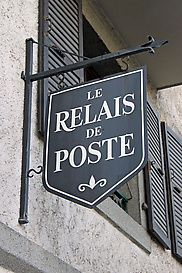 WEB-Relais-sign-edited1.jpg