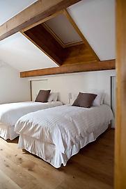 3 twin/double bedrooms