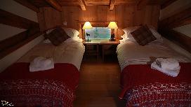 alternative layout bedroom.jpg