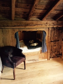 Joakim's room 1.jpg