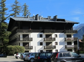 Chalet from side.JPG