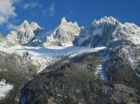 Mont Blanc range frm behind chalet.JPG
