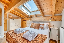 Bedroom on first floor (double or twin)