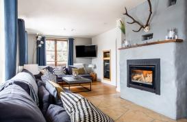 Living room with log fire.jpg