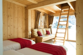 Pumori & Makalu Bedroom 2.jpg