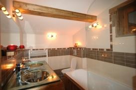 2011 Bedieres bathroom.JPG