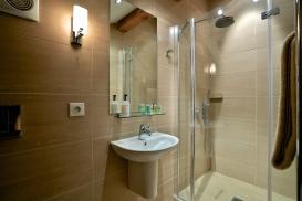 1st Floor Bedroom 3 Bathroom.jpg