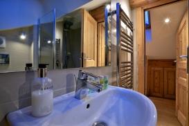 Eaves Bathroom.jpg