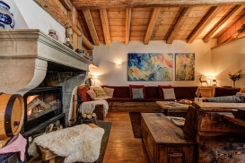 _AJP4239And8more2019-12-outdoor-chalet-sun.jpg
