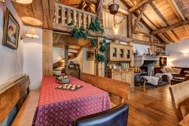 _AJP4401And8more2019-12-outdoor-chalet-sun-Edit.jpg