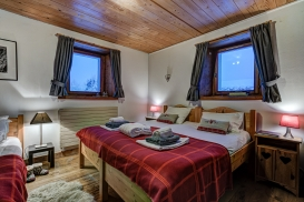 _AJP4752And8more2019-12-outdoor-chalet-sun.jpg
