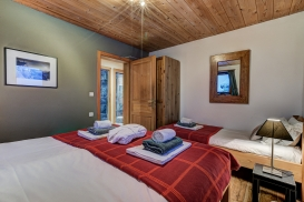 _AJP4761And8more2019-12-outdoor-chalet-sun.jpg