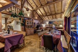 _AJP4860And8more2019-12-outdoor-chalet-sun.jpg