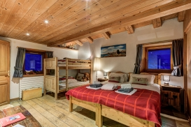 _AJP5004And8more2019-12-outdoor-chalet-sun.jpg