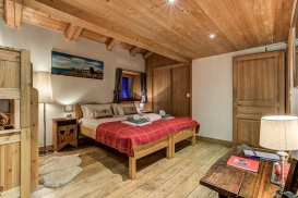 _AJP5022And8more2019-12-outdoor-chalet-sun.jpg