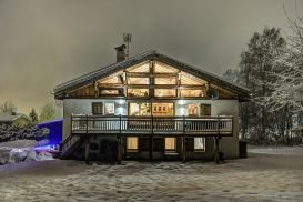 _AJP5337And8more2019-12-outdoor-chalet-sun.jpg
