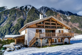 _AJP6129And8more2019-12-outdoor-chalet-sun.jpg