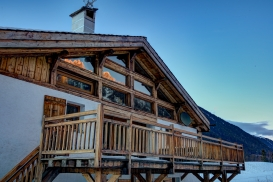 _AJP6336And8more2019-12-outdoor-chalet-sun.jpg