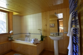 Scierie bathroom website 698X466.jpg