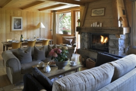 Scierie Living Room Fireside website 698X466.jpg