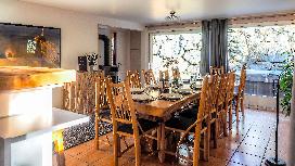 Hideaway2 diningroom3.jpg